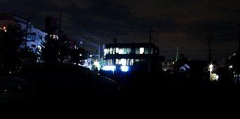3階がねこさんのアジト2階は警備会社1階はロ●ソン灯りの消えることなかったビルヂング…天帝様は暗闇がお嫌いなのだ!